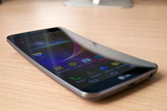 LG G Flex - At the Higher End of the Market