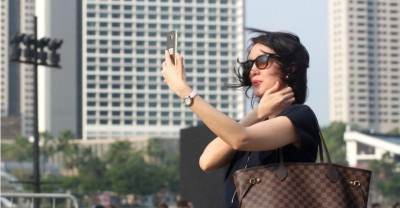 Our Guide to Taking the Perfect Selfie