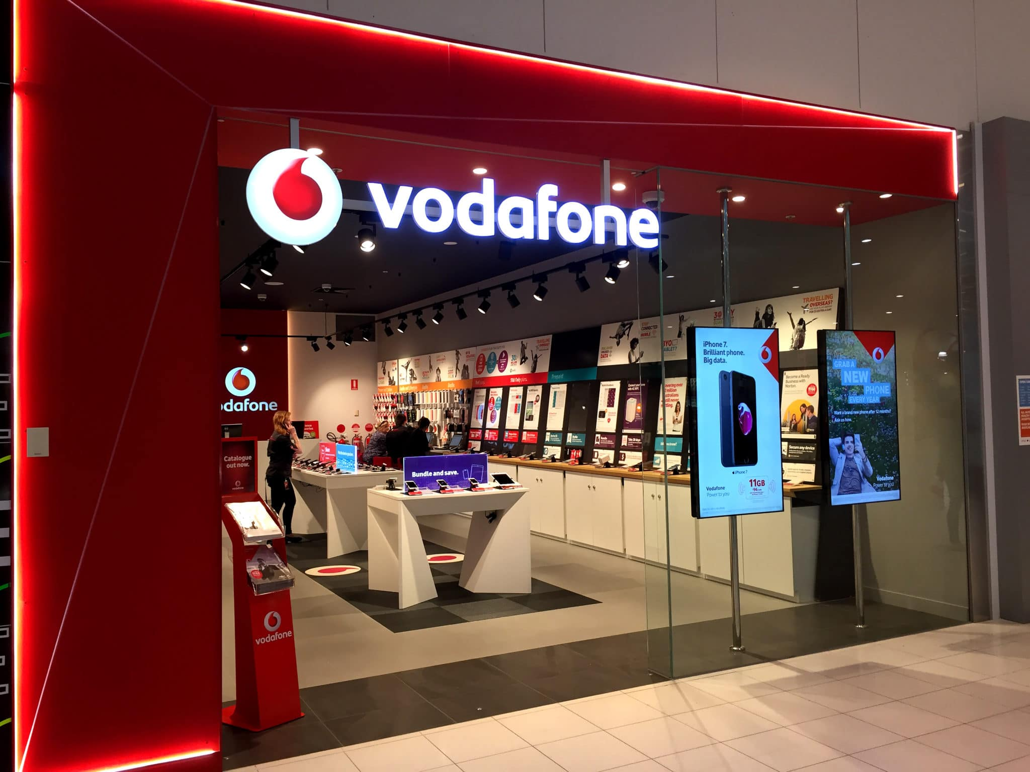 Vodafone Unlimited Data: Three Plans Available from £23 Per Month [Buyers Guide]